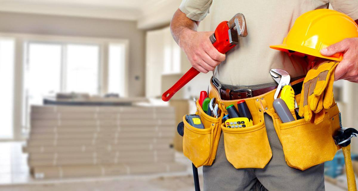 Difference Between Plumbers and Plumbing Contractors and Specialty Plumbers  | Benjamin Franklin Plumbing